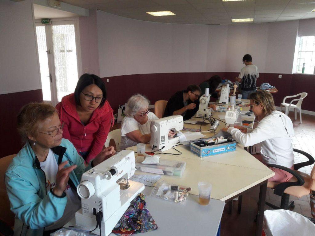Atelier couture sacs à vrac en cours.